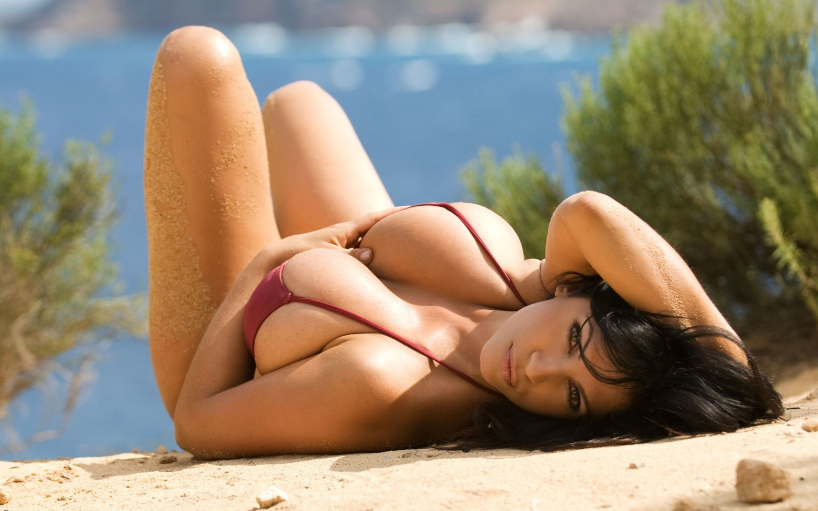 asian single women in beach lake Media in category topless women wearing bikini bottoms at the beach the following 76 files are in this category, out of 76 total.